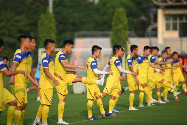 Quang Hải hăng say tập luyện, HLV Park Hang Seo hài lòng - 5