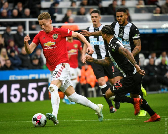 Newcastle 1-0 Man Utd: Quỷ đỏ nối dài sự thất vọng - 10