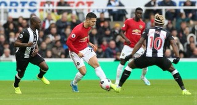 Newcastle 1-0 Man Utd: Quỷ đỏ nối dài sự thất vọng - 13