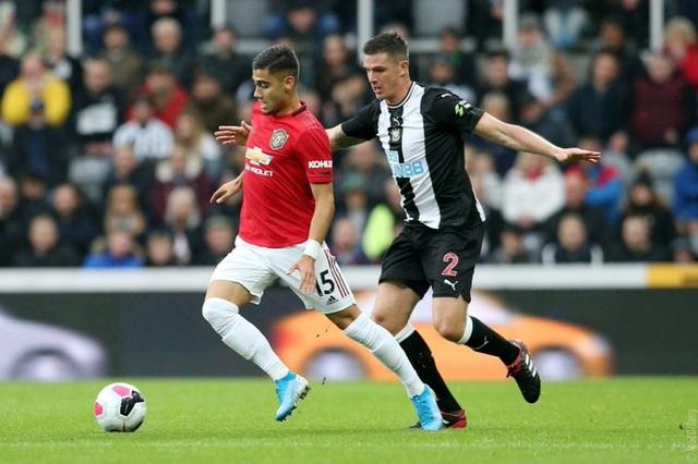 Newcastle 1-0 Man Utd: Quỷ đỏ nối dài sự thất vọng - 12