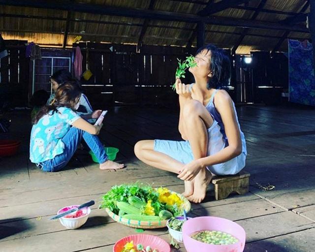 Hoa hậu HHen Niê nói gì khi tạm ngưng hoạt động showbiz về quê? - 1
