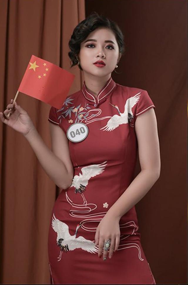 Top 10 Hoa khôi ĐH Hà Nội khoe sắc với trang phục khắp 5 châu - 2