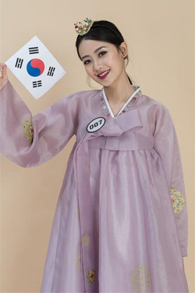 Top 10 Hoa khôi ĐH Hà Nội khoe sắc với trang phục khắp 5 châu - 4