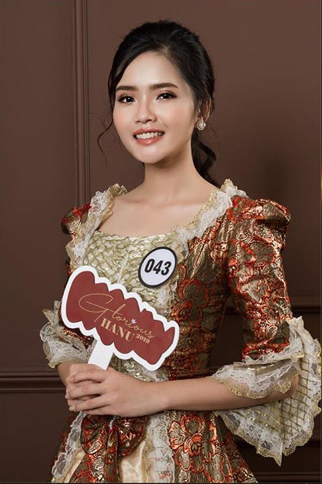 Top 10 Hoa khôi ĐH Hà Nội khoe sắc với trang phục khắp 5 châu - 5