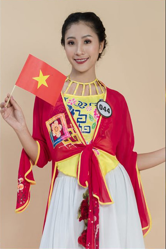 Top 10 Hoa khôi ĐH Hà Nội khoe sắc với trang phục khắp 5 châu - 7