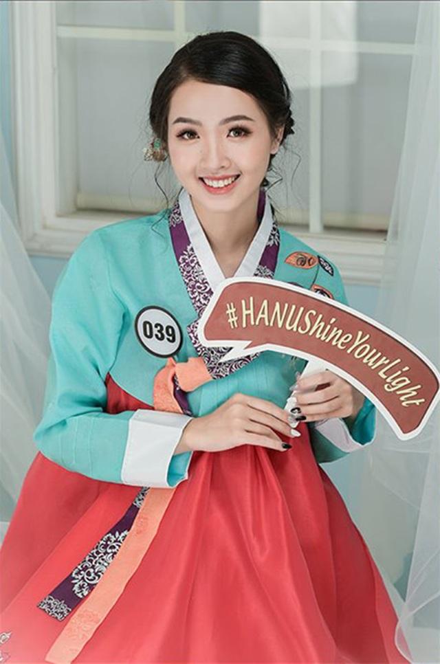 Top 10 Hoa khôi ĐH Hà Nội khoe sắc với trang phục khắp 5 châu - 8