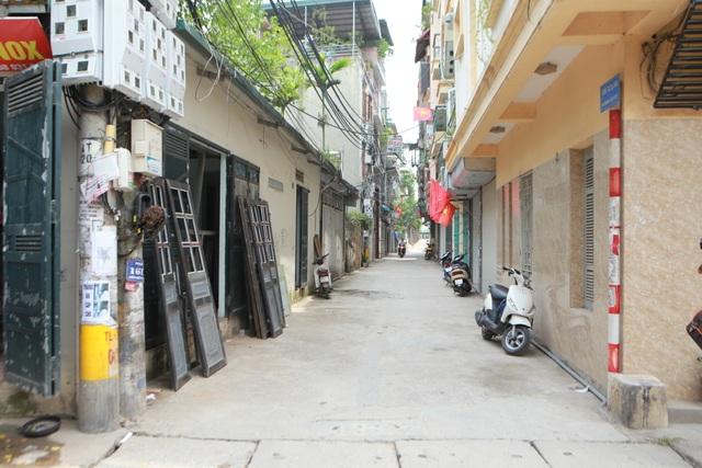 """Kỳ lạ những ngôi nhà có """"2 địa chỉ"""" tồn tại hàng chục năm ở Hà Nội - 6"""