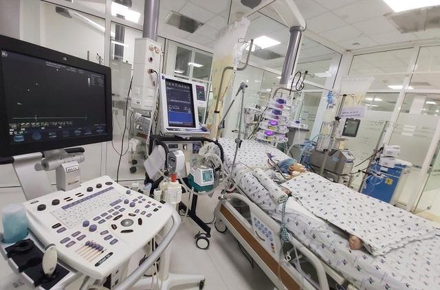 Bé 3 tuổi tê liệt chức năng phổi vì suy hô hấp được cứu sống kỳ diệu - 2