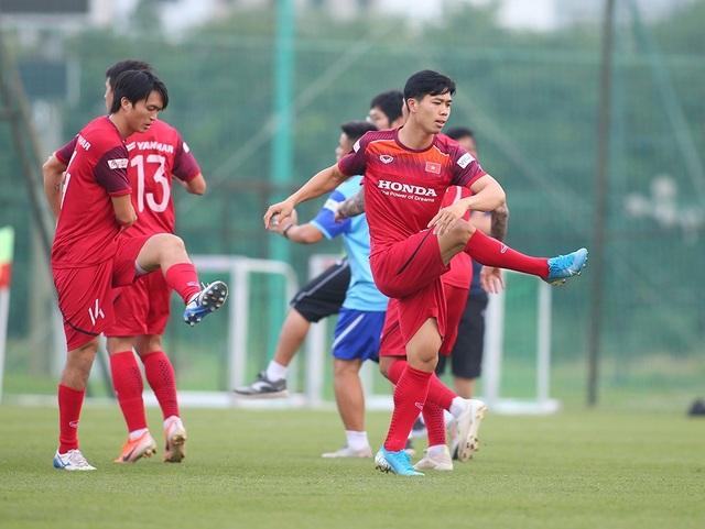 Công Phượng trình diện HLV Park Hang Seo, cười tươi sẵn sàng đấu Malaysia - 14