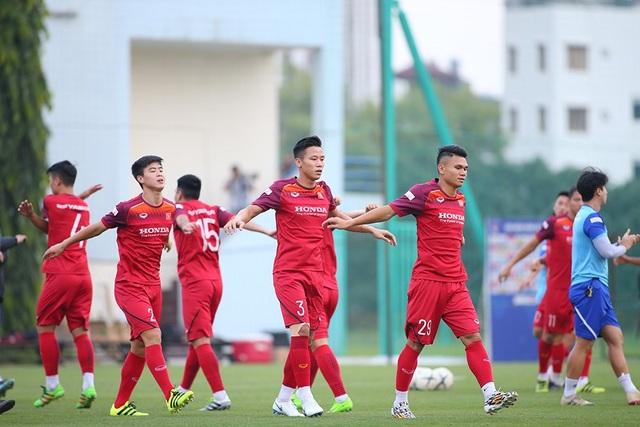 Công Phượng trình diện HLV Park Hang Seo, cười tươi sẵn sàng đấu Malaysia - 12