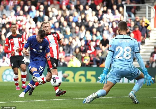 Southampton 1-4 Chelsea: Abraham, Mount tiếp đà thăng hoa - 2