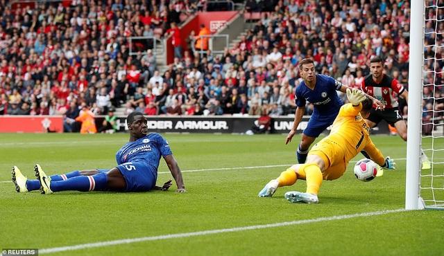 Southampton 1-4 Chelsea: Abraham, Mount tiếp đà thăng hoa - 3