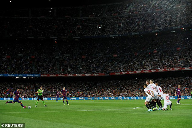 Messi và Luis Suarez rực sáng, Barcelona thắng đậm Sevilla - 10