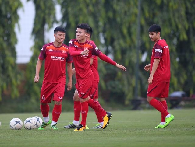 Công Phượng trình diện HLV Park Hang Seo, cười tươi sẵn sàng đấu Malaysia - 15
