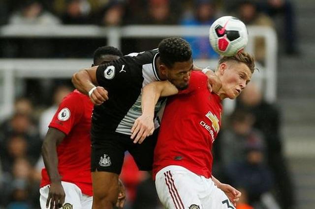 Newcastle 1-0 Man Utd: Quỷ đỏ nối dài sự thất vọng - 14