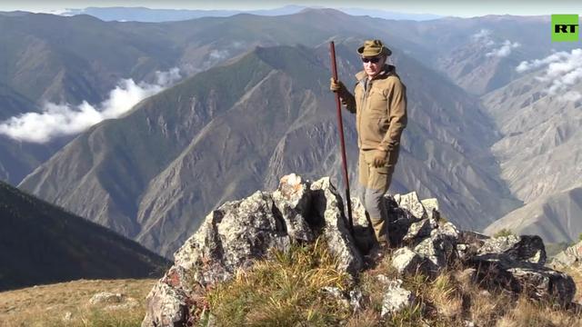 Tổng thống Putin leo núi, lái xe địa hình - 1