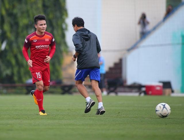 Công Phượng trình diện HLV Park Hang Seo, cười tươi sẵn sàng đấu Malaysia - 7