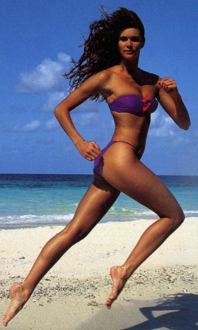 55 tuổi, Elle Macpherson vẫn tự tin diện bikini mỗi ngày - 6