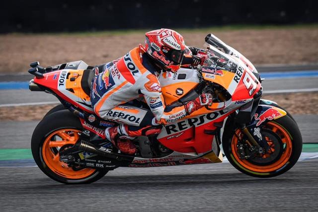 Chặng 15 MotoGP 2019: Marquez thắng ấn tượng trước Quartararo để vô địch thế giới - 13