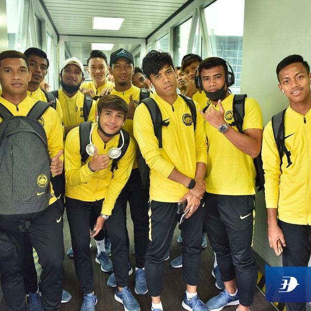 Đội tuyển Malaysia có mặt tại Hà Nội, từ chối trả lời phỏng vấn - 2