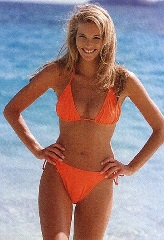 55 tuổi, Elle Macpherson vẫn tự tin diện bikini mỗi ngày - 7
