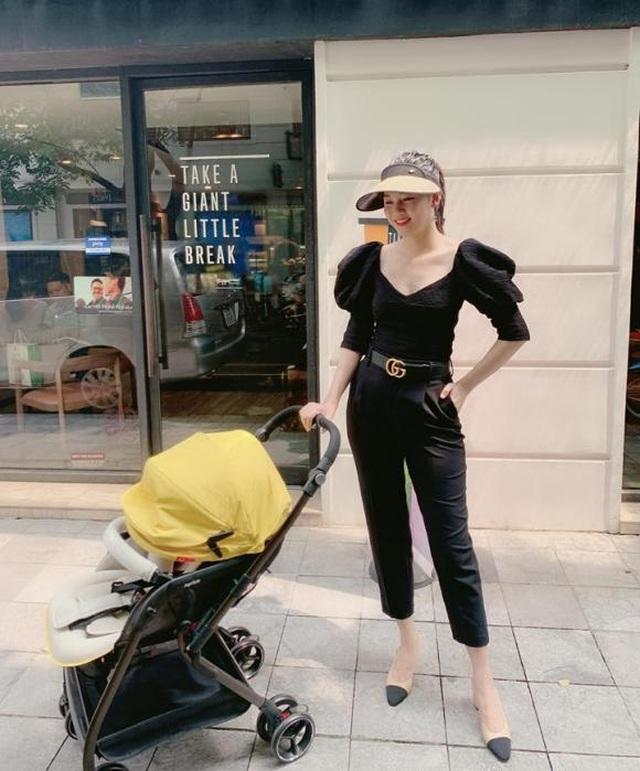 Á hậu Thanh Tú diện áo tắm khoe vóc dáng nuột nà sau khi sinh con - 4