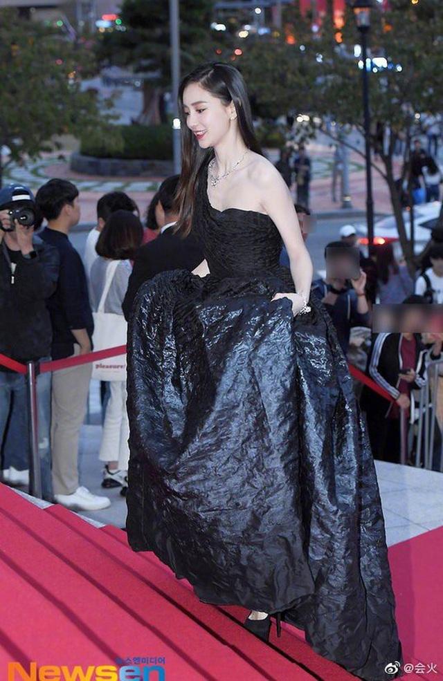 Angelababy đẹp xuất sắc trên thảm đỏ LHP Busan - 3