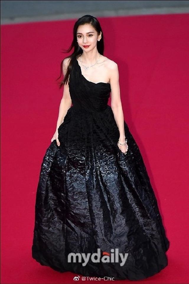 Angelababy đẹp xuất sắc trên thảm đỏ LHP Busan - 9