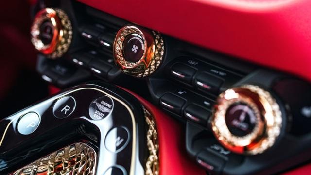 Aston Martin DBS GT Zagato - Siêu xe cũng bán theo kiểu bia kèm lạc - 14
