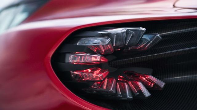 Aston Martin DBS GT Zagato - Siêu xe cũng bán theo kiểu bia kèm lạc - 11