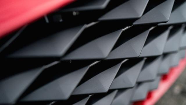 Aston Martin DBS GT Zagato - Siêu xe cũng bán theo kiểu bia kèm lạc - 6