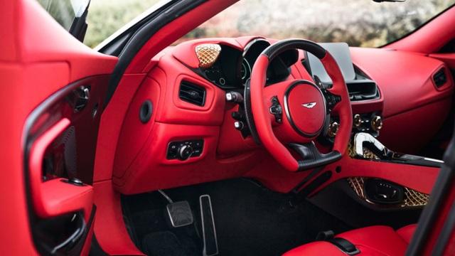 Aston Martin DBS GT Zagato - Siêu xe cũng bán theo kiểu bia kèm lạc - 13