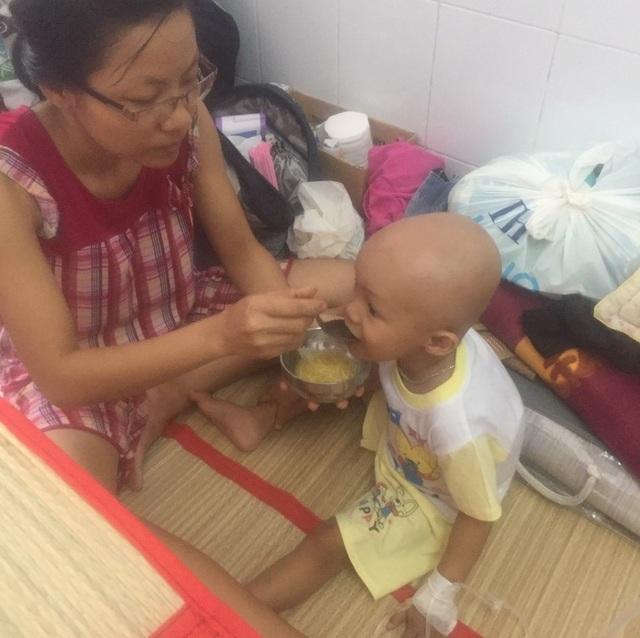 Xin cứu lấy đứa con cầu của nữ hộ sinh nghèo - 3