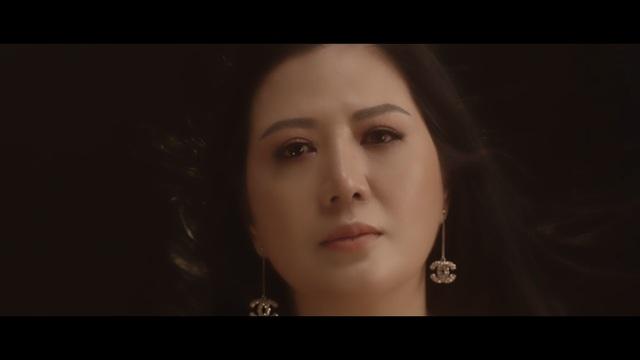 Đinh Hiền Anh nhiều lần rơi nước mắt khi thu âm ca khúc về tình yêu - 2