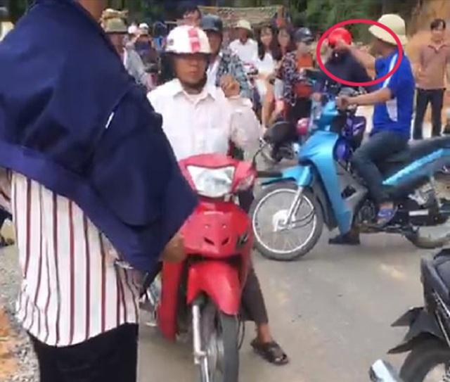 """Xác định danh tính """"ông trùm"""" đe không cho xe ôm chở khách tại chùa Hương - 1"""