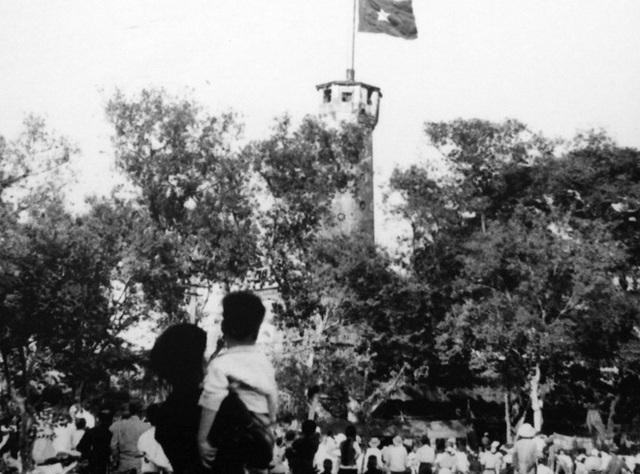 Lễ  chào cờ đặc biệt trong ngày giải phóng Thủ đô - 4