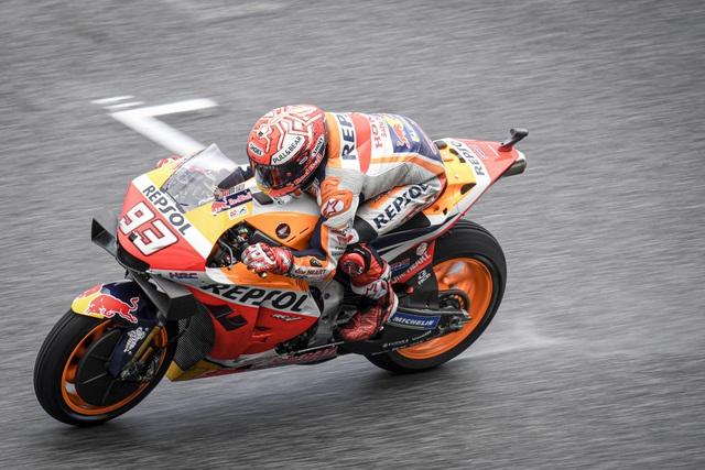 Chặng 15 MotoGP 2019: Marquez thắng ấn tượng trước Quartararo để vô địch thế giới - 2