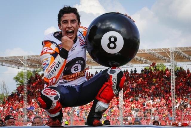 Chặng 15 MotoGP 2019: Marquez thắng ấn tượng trước Quartararo để vô địch thế giới - 5