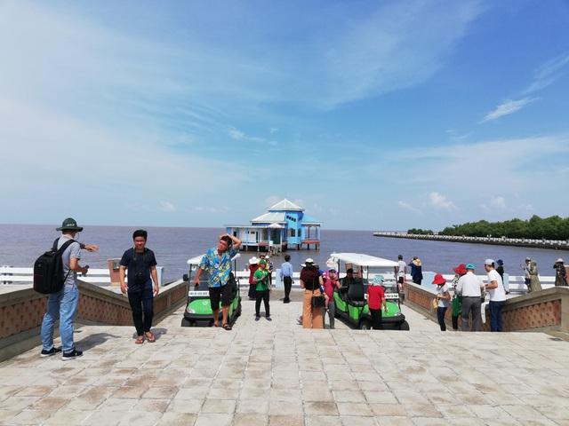 Cà Mau đón hơn 1,1 triệu lượt khách du lịch - 2