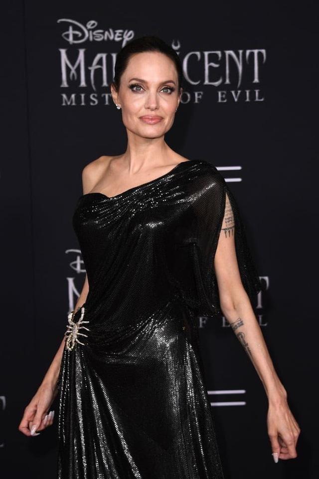 Angelina Jolie mở lòng sau 3 năm chia tay Brad Pitt - 5