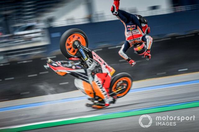 Chặng 15 MotoGP 2019: Marquez thắng ấn tượng trước Quartararo để vô địch thế giới - 1