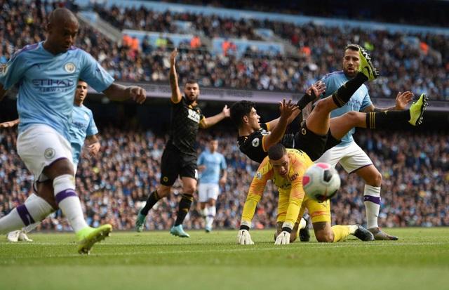 Những khoảnh khắc gục ngã của Man City trước Wolves tại Etihad - 7