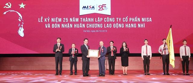 MISA nhận Huân chương Lao động hạng Nhì trong lễ kỷ niệm 25 năm thành lập - 1