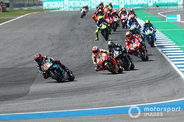 Chặng 15 MotoGP 2019: Marquez thắng ấn tượng trước Quartararo để vô địch thế giới - 9