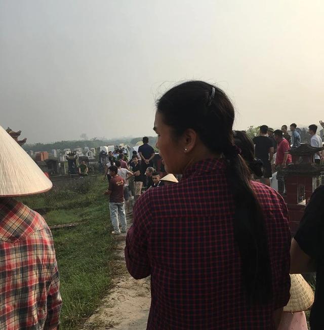 Phát hiện thi thể người phụ nữ tại nghĩa địa, nghi bị sát hại - 2