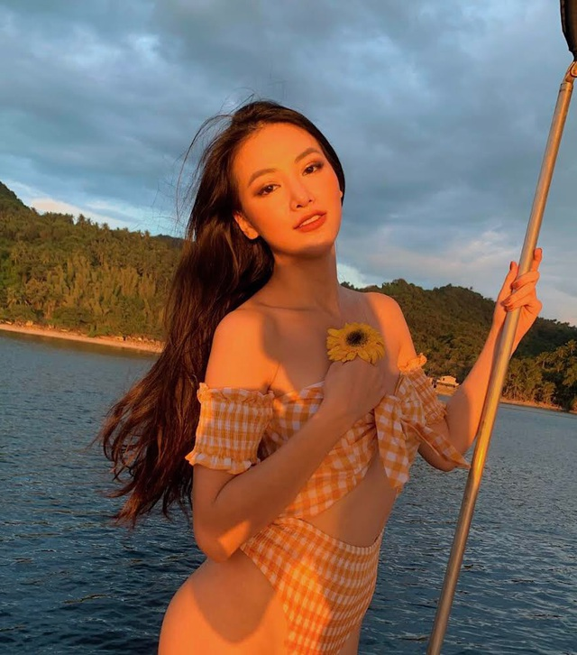 Phương Khánh diện áo tắm khoe đường cong quyến rũ trước ngày trao lại vương miện - 4
