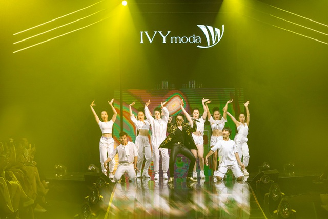 """IVY moda: Chịu chơi chiếm """"thế thượng phong"""" khi đồng hành cùng Sơn Tùng M-TP - 2"""