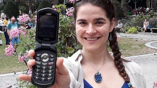 """""""Rời xa"""" smartphone trong suốt một năm, cô gái sắp được thưởng hơn 2,3 tỷ đồng - 1"""