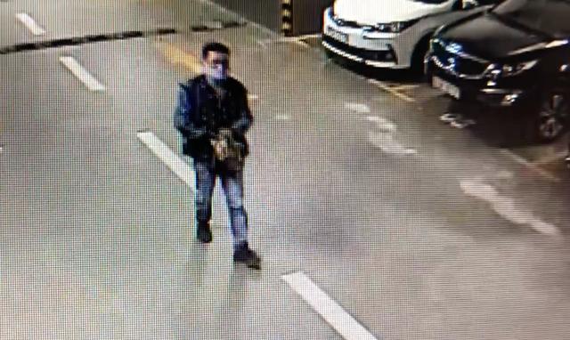 Thanh niên trộm xe tay ga ở chung cư cao cấp trong tích tắc - 3
