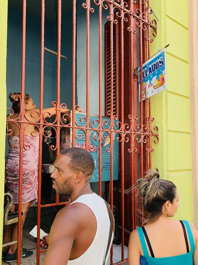 Trải nghiệm khó quên của du khách Việt ở Cuba, hàng hóa khan hiếm và đắt đỏ - 6